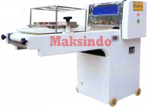 Mesin Pencetak Adonan
